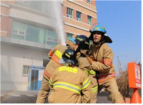 화재 진압 3.png 이미지입니다.